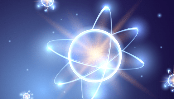 ¿Cuál es el núcleo sin carga que acompaña a los protones en él núcleo atómico?