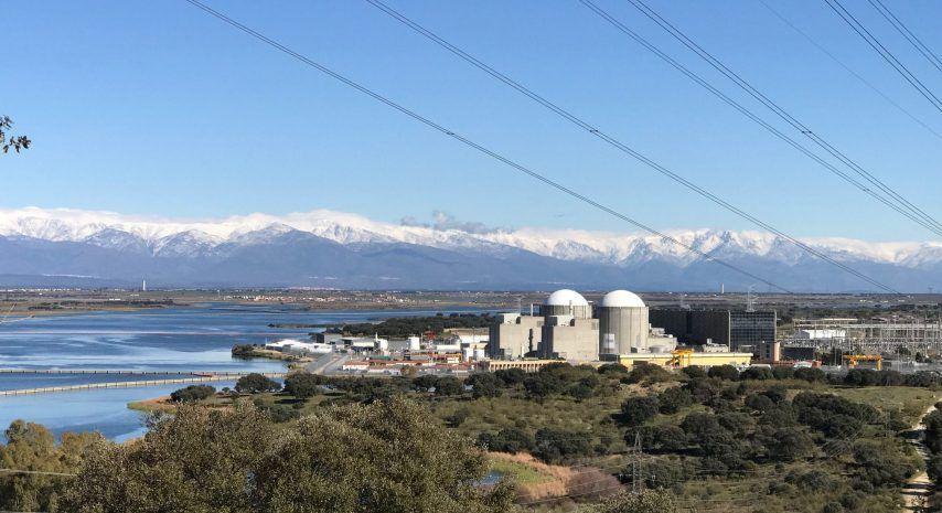 Almaraz II acomete las 13.500 actividades programadas durante su parada de recarga de combustible